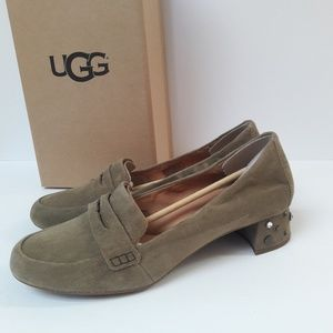 CLEARANCE! New UGG Elise Studded Bling shoes Sz 10